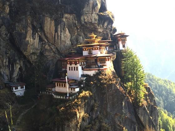 ブータンのタクツァン僧院001