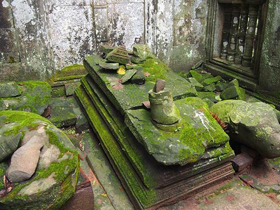 カンボジアのコーケ遺跡002