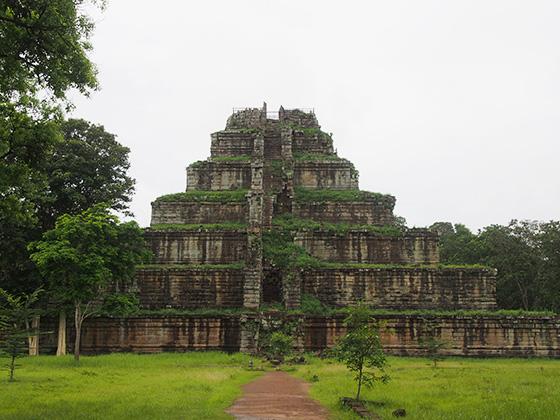 カンボジアのコーケ遺跡005