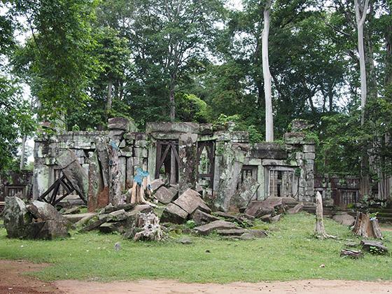 カンボジアのコーケ遺跡001