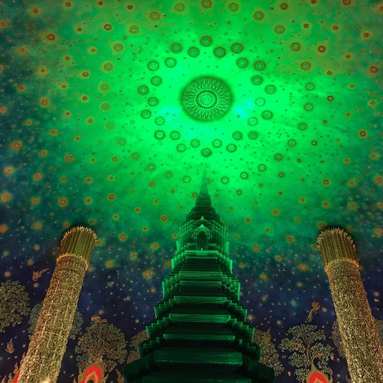 進化する仏教都市001