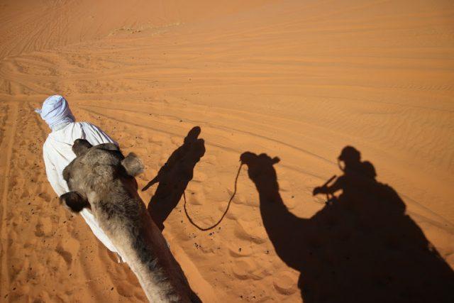 サハラ砂漠 日の出 持ち物 09