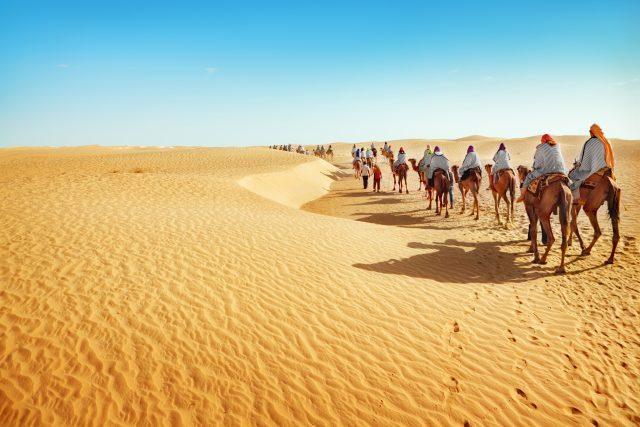 サハラ砂漠 日の出 持ち物 02