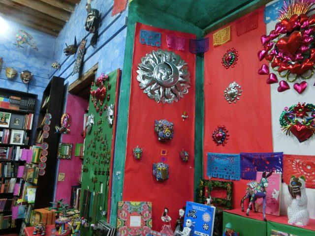 メキシコ 刺繍とアートの町 02