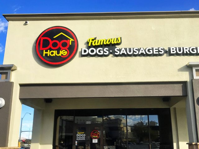 "USA_las_doghaus_exterior_001""USA_las_doghaus_exterior_001"""""""