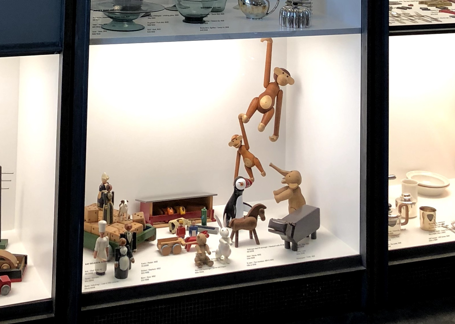 "Denmark_designmuseum_Louis-Poulsen_Kay-BojesenMonkey"""""