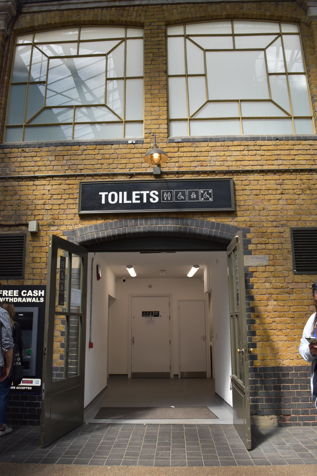 UK_oldspitalfield_toilets_001""""
