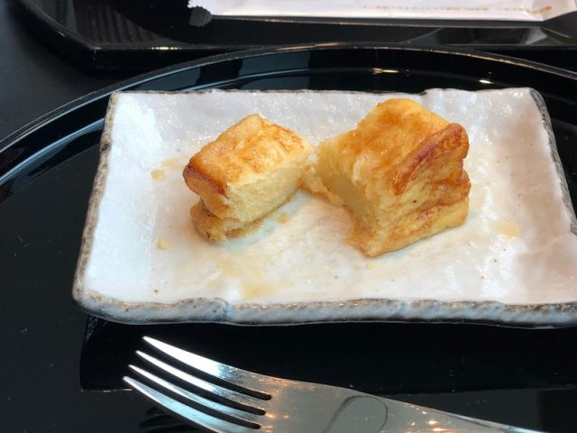 TokyoInternationalAirport_Haneda_CathayPacificAirlines_lounge_Frenchtoast-640x480""""