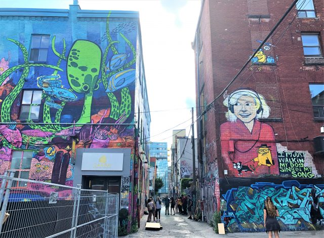Toronto_GraffitiAlley""""