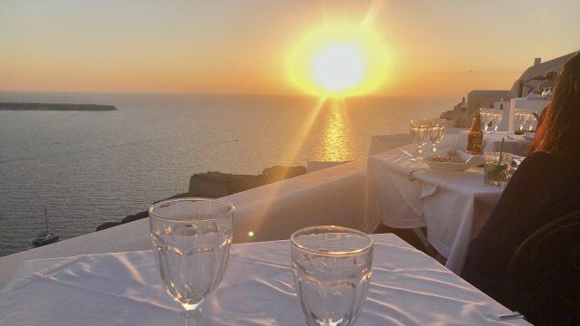 Santorini_hotel_FANARI-VILAAS_2-640x360