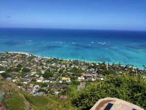 ハワイ通に話題の「ピルボックス」ラニカイビーチが見渡せる絶景スポットに登ってみた