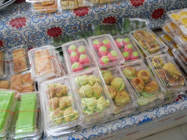 """Brunei_TamuKianggeh_market_sweets_1"""""""""""
