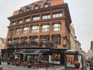 チェコでしか見られない!プラハでキュビズム建築散歩を楽しもう