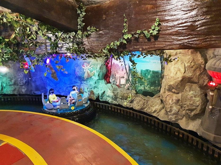 ジャングル探検ボート