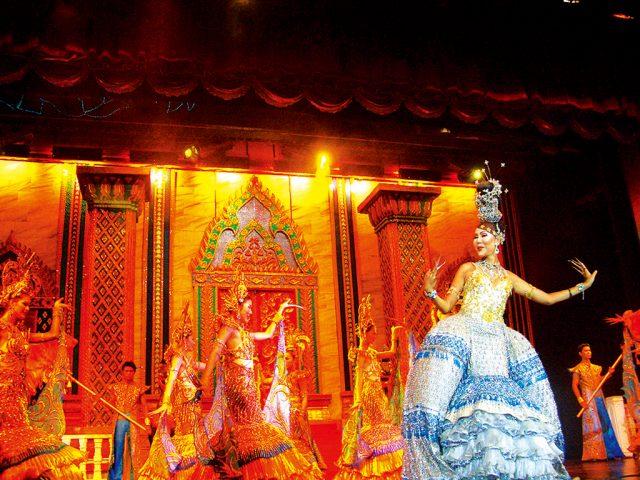 サイモンキャバレーショーの写真