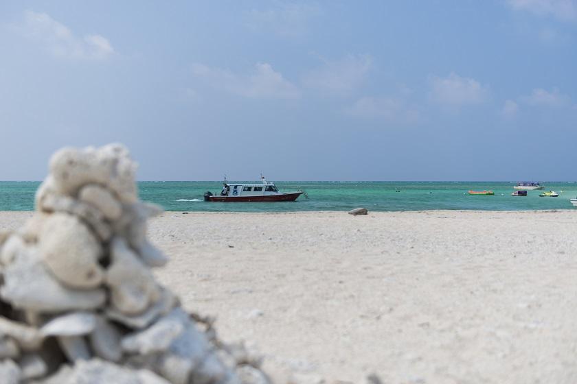 ハテの浜と船