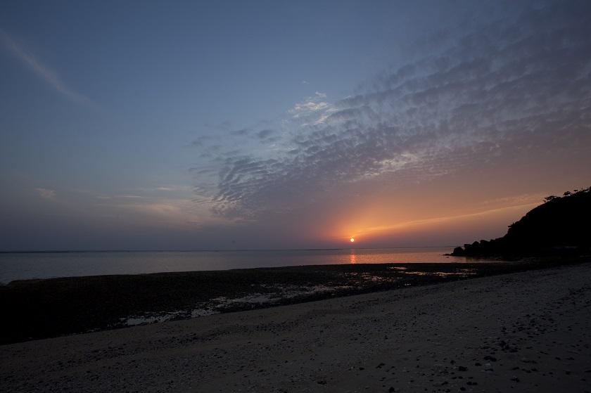 アーラ浜と夕日