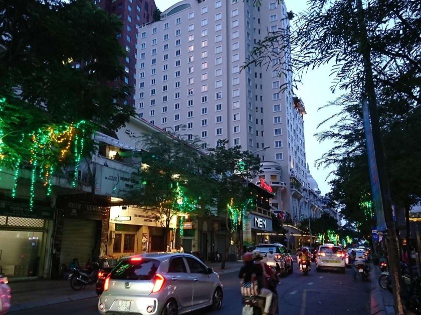 ドンコイ通り1