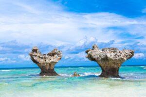 沖縄の恋の島【古宇利島】徹底観光ガイド!あのハートロックも!