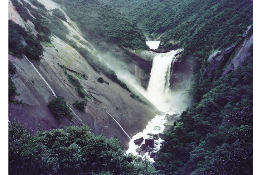 千尋(せんぴろ)の滝