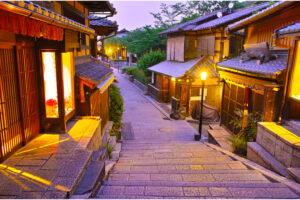【京都観光】おすすめスポット55選+定番名所「効率の良い」1日モデルコース~観光のコツ・交通手段まで~