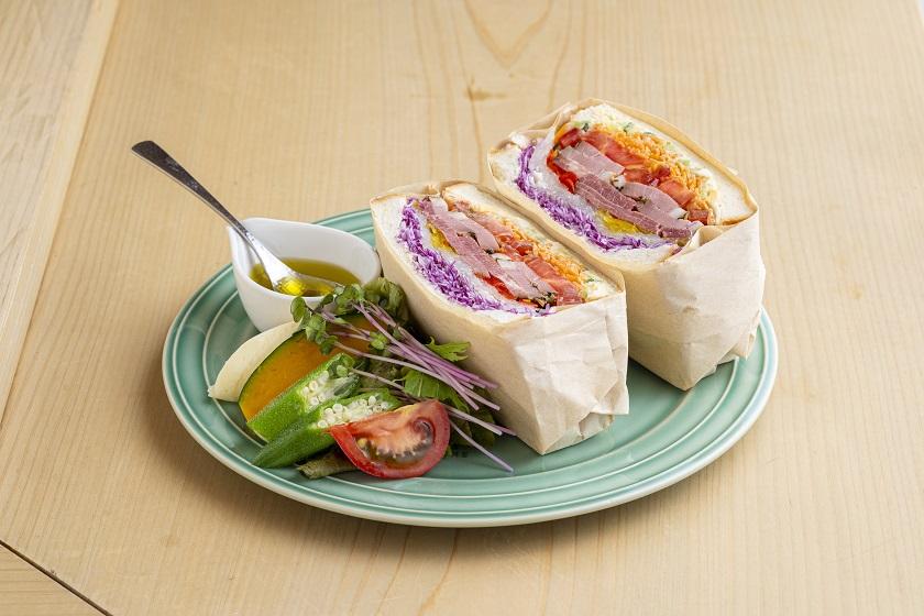 パストラミビーフのサンドイッチ
