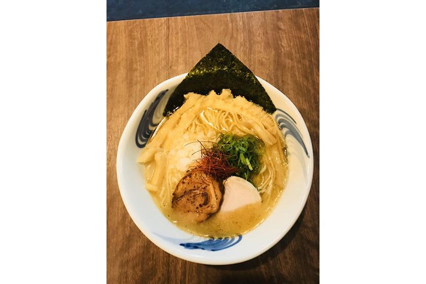 我流麺舞 飛燕 魚介鶏塩白湯